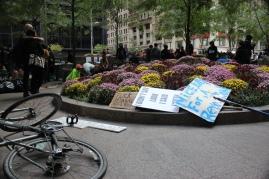 ההכנות להפגנות בנטל האמריקאי, אי שם בוול סטריט, ניו יורק, 09-2011